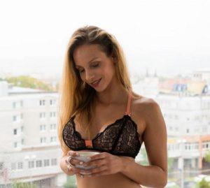 Mary Wet ein VR-Porno